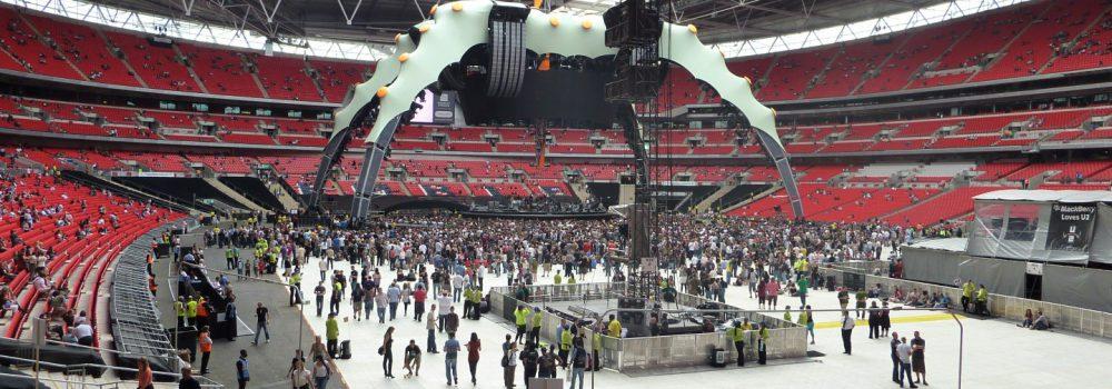 Wembley 09 - U2 - Terratrak and Terraflor (Large)